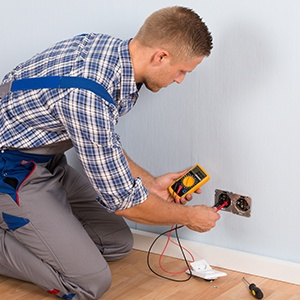 adding-a-qualified-electrician-to-your-office-relocation-plan